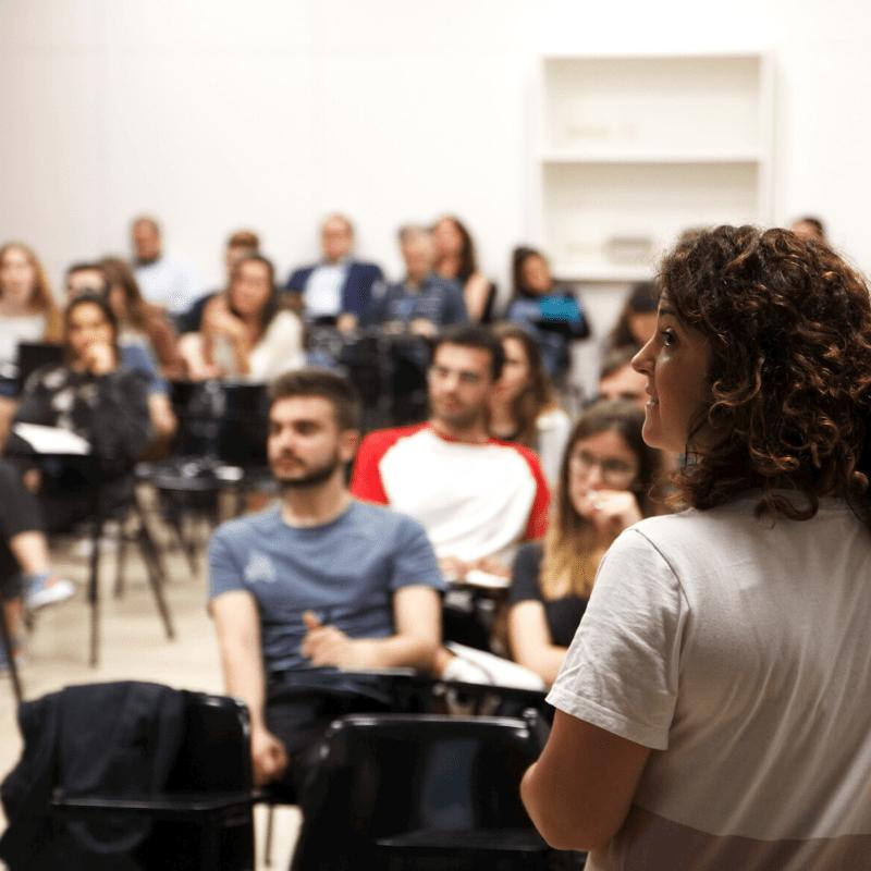 ponente especialista LinkedIn-Formación LinkedIn _ cursos, talleres, clases_ Elisabet Cañas _ experto en LinkedIn _ Descubriendo LinkedIn